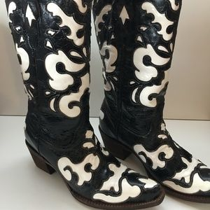 Corral Vintage Boots - Size 8